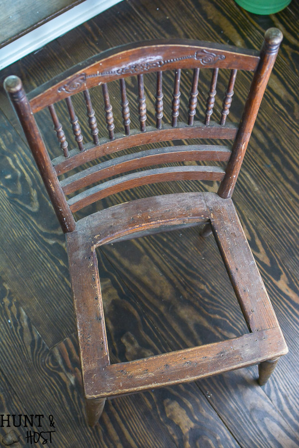 A broken cane chair redo. This cane chair makeover is easy to do yourself. & Cane Chair Makeover - Hunt and Host