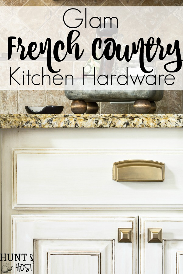 Install new kitchen hardware like a pro and upgrade your spec home into a custome home in an afternoon. #easyupgrade #builderhome #hardwaretips #frenchcountrykitchen