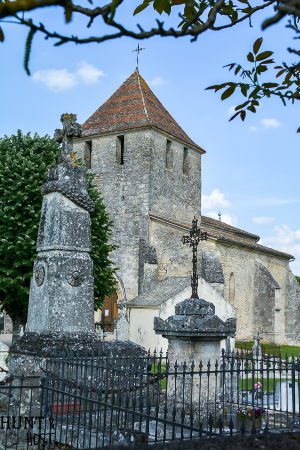 Just a sample of beautiful French scenery, landscapes and flowers. Visit an old French church, a French chateau, smell the wild flowers and view the grapevines.