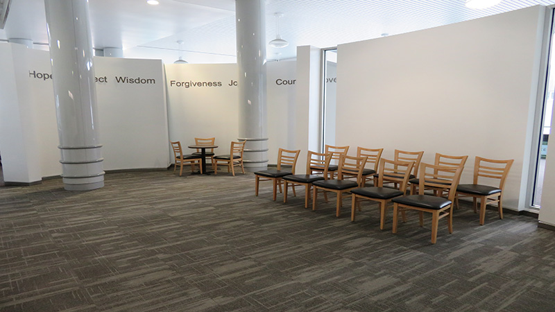 Chairs_800x450