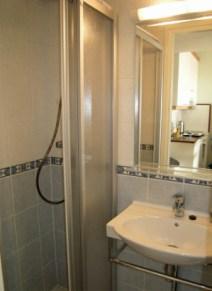 Perämiehenkatu 15, kylpyhuone