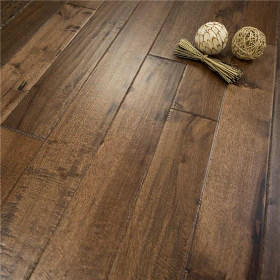 """Discount 5"""" x 3/4"""" Hickory Character Prefinished Solid Old"""