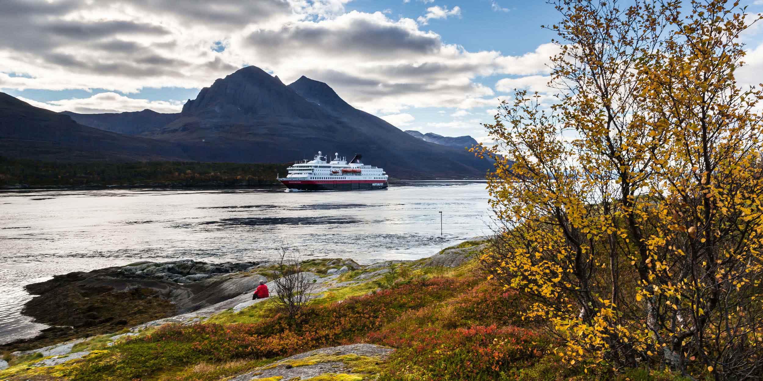 Autumn Cruise In Norway Hurtigruten Uk