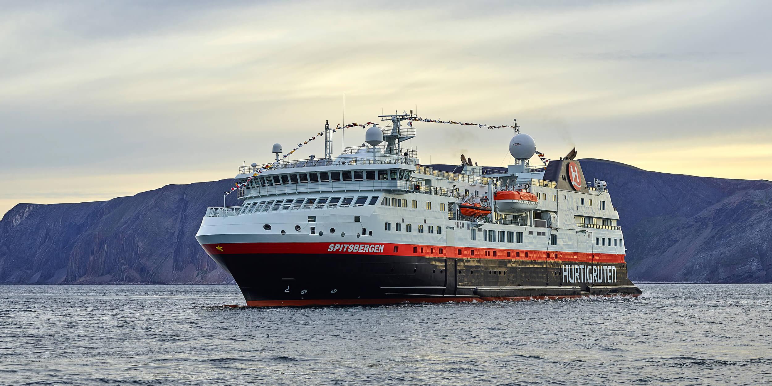 Ms Spitsbergen Hurtigruten S Ships Hurtigruten Uk