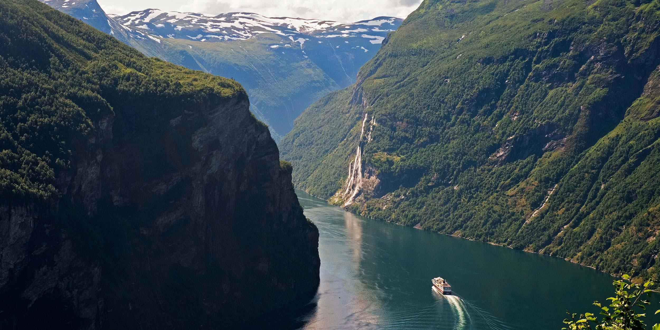 Geirangerfjord Hurtigruten