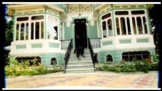 Acayip Hayvanlara Benziyirsen (2007) Video Klip