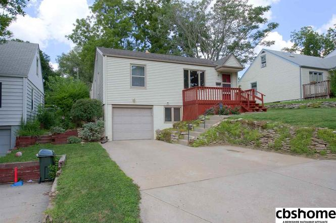 Just Sold Husker Home Finder Team