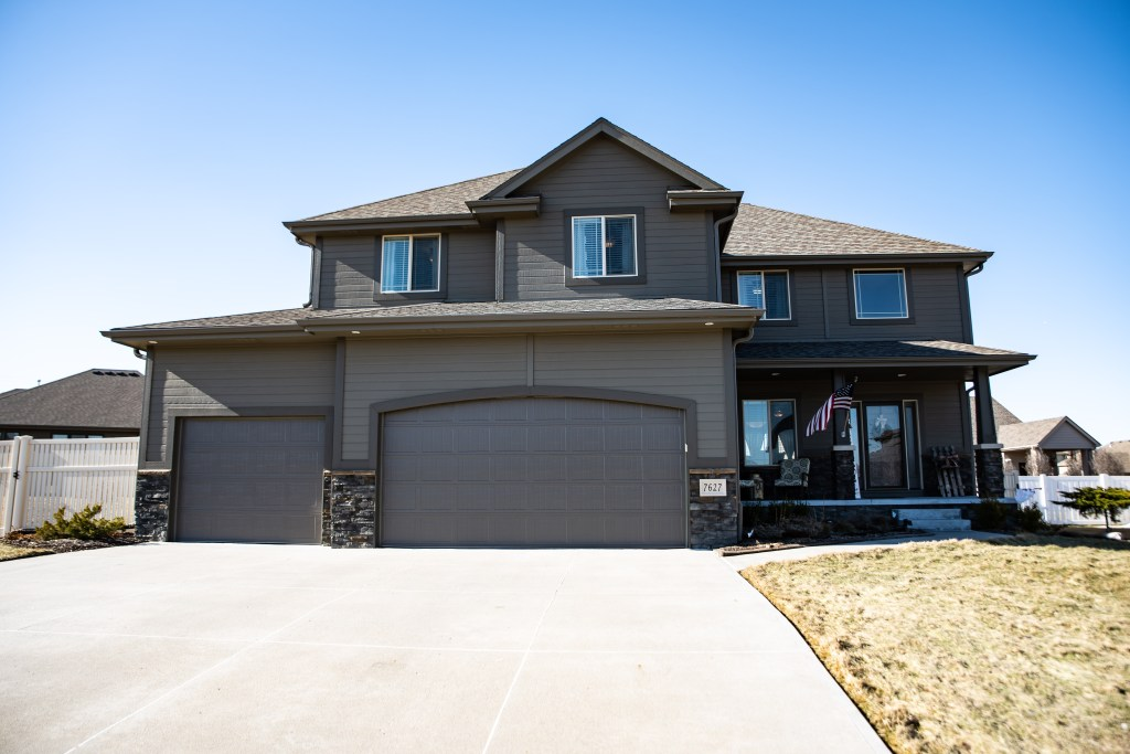 New Listing Husker Home Finder Team
