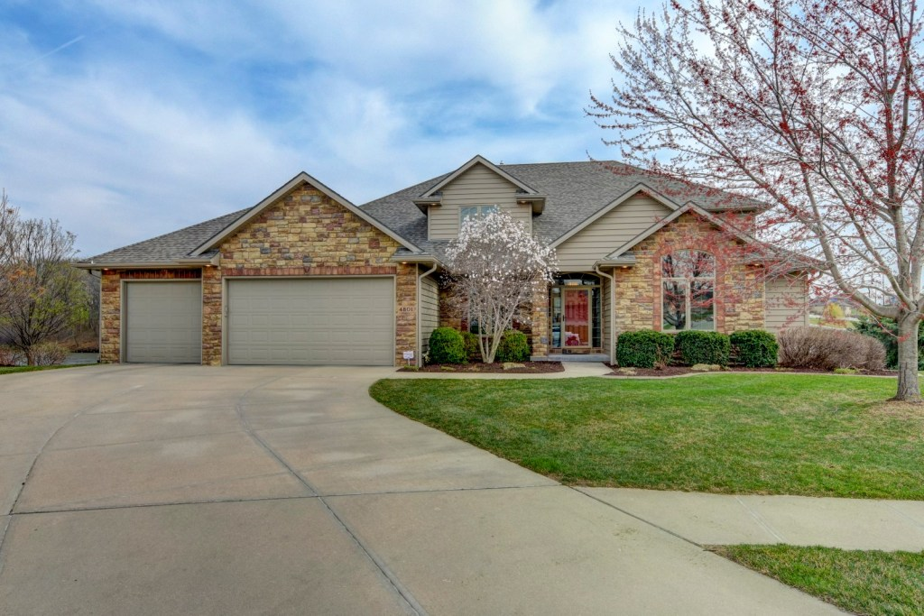 Just Listed 4801 Fountain Circle Papillion NE