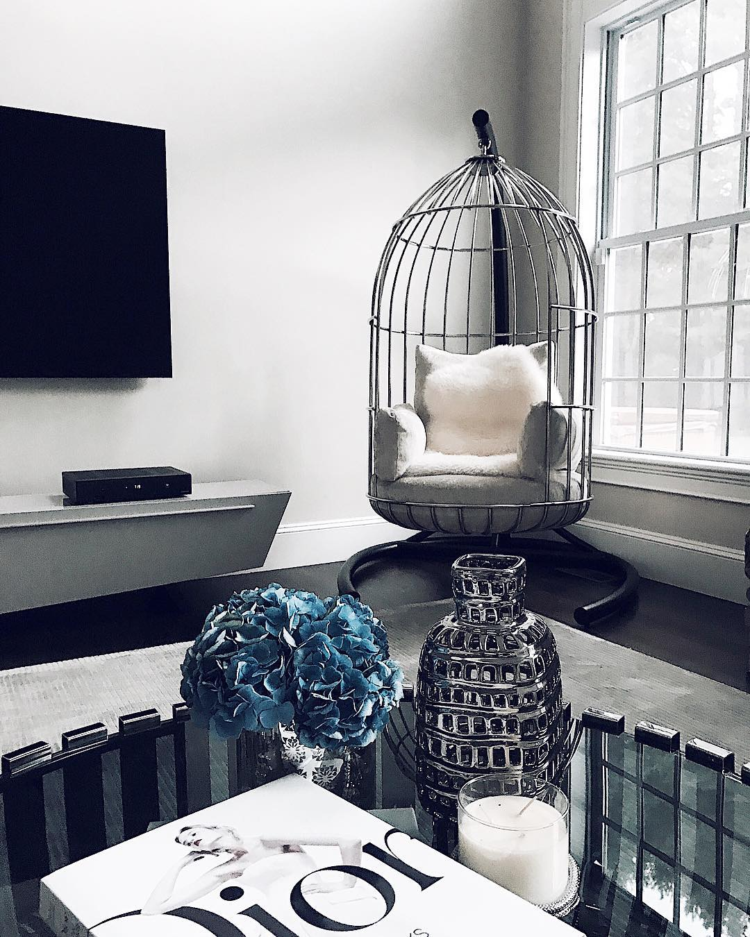 A peek inside the homes of 7 top influencers husskie for Home design influencers