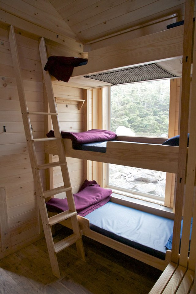 Madison Hut bunks, Appalachian Mountain Club Huts Photos, hut2hut