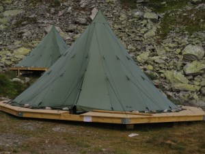 Rondvassbu-owned tents, Den Norske Turistforening (DNT) at Rondvassbu Hut, hut2hut operational profile