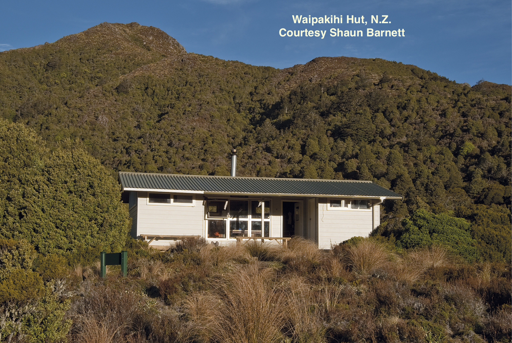 Waipakihi Hut, Lockwood style architecture, NZ Forest Service