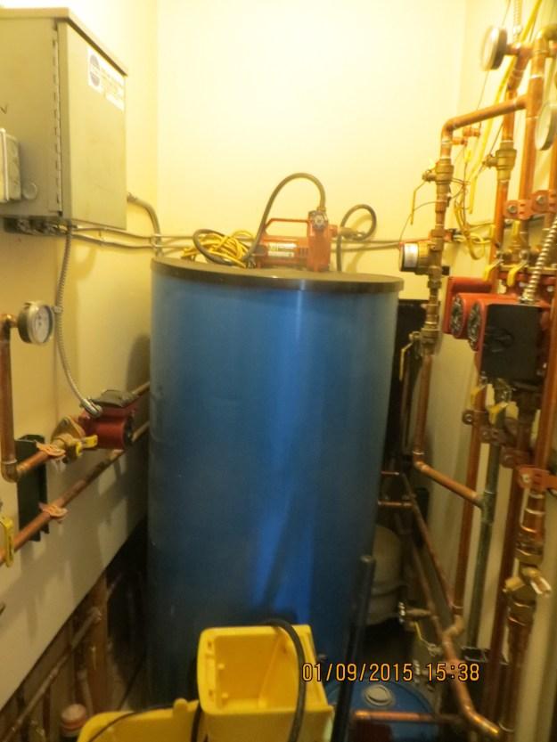 Hot water tank, OPUS Huts, hut2hut
