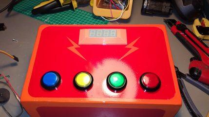 Nopeuspelin rakentelua osa 5 Speden speli - Kotelo näyttö ja napit