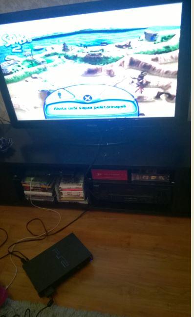 PS2 ja Sims2 korjatulla laserilla