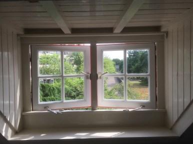 Nieuwe ramen met isolatieglas en middenstijl