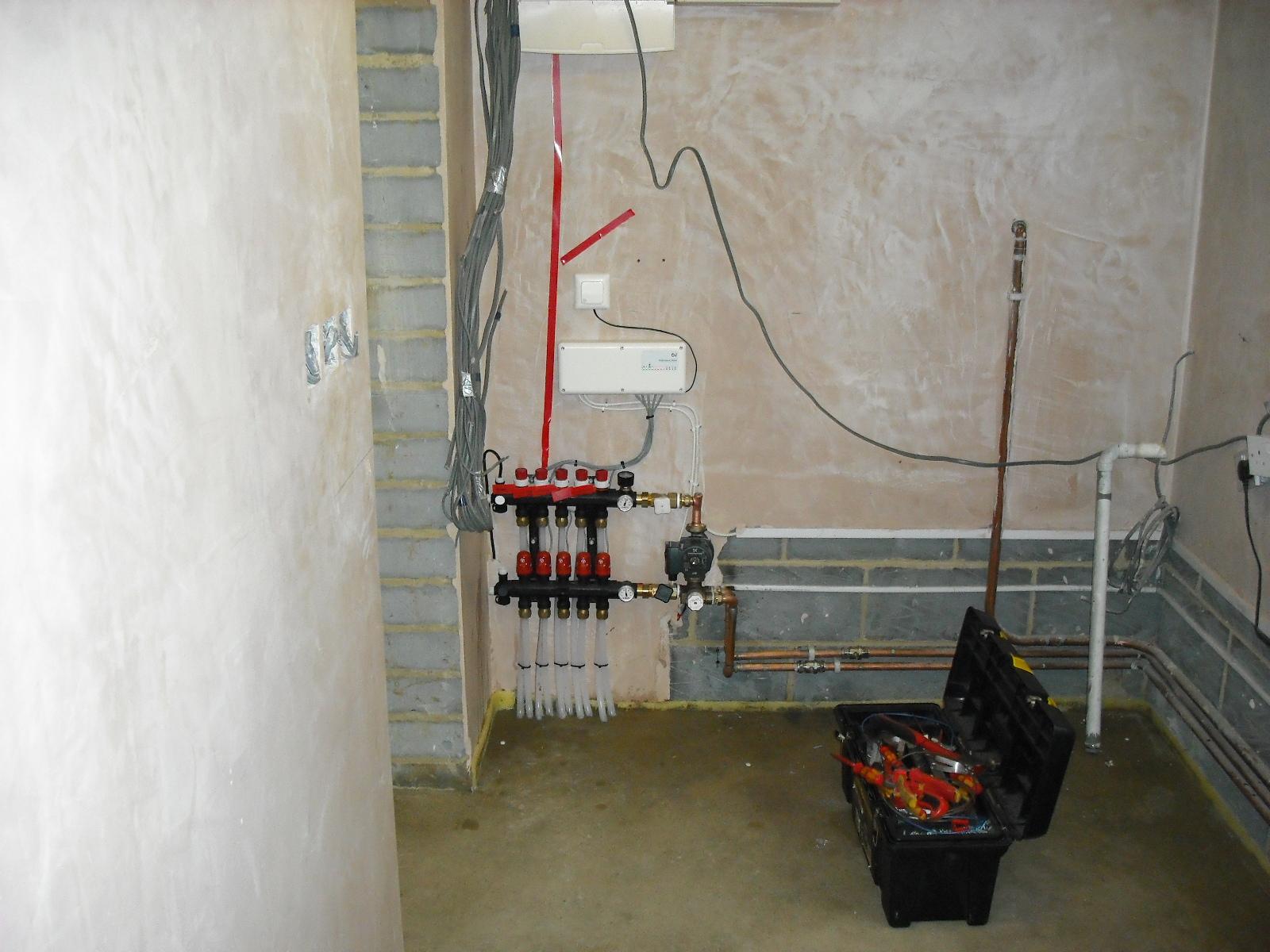 hight resolution of underfloor heating and radio controls