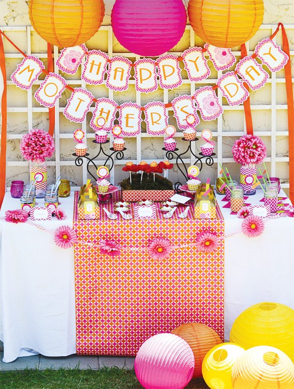 mother's day lunch sweets table