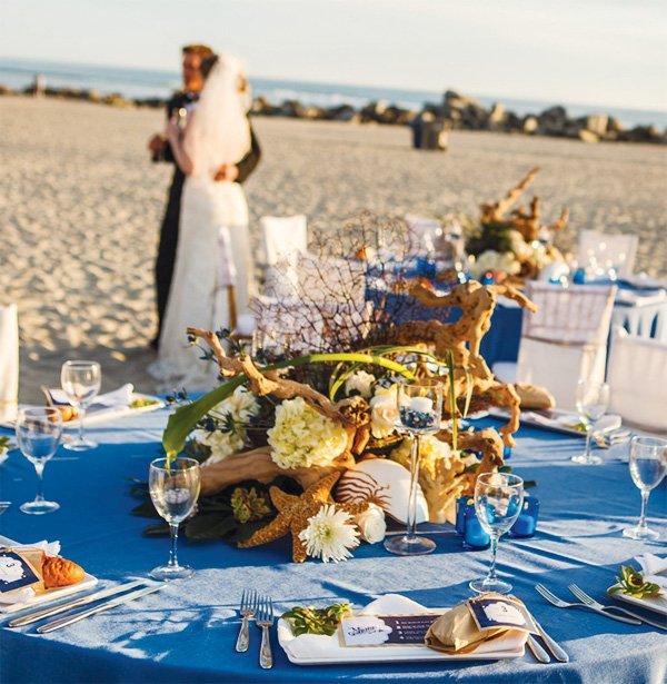 beachy california coastal wedding tablescape