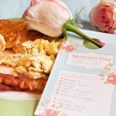 free printable mom's day door tag from HWTM