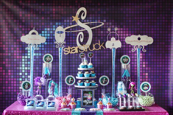 girly-space-candy-table-2