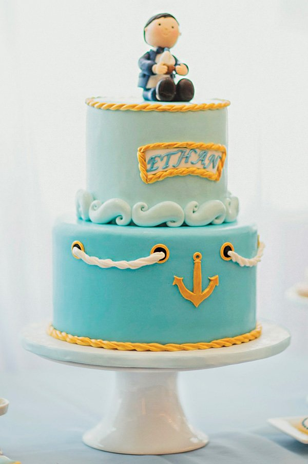 nautical anchor, rope and waves cake