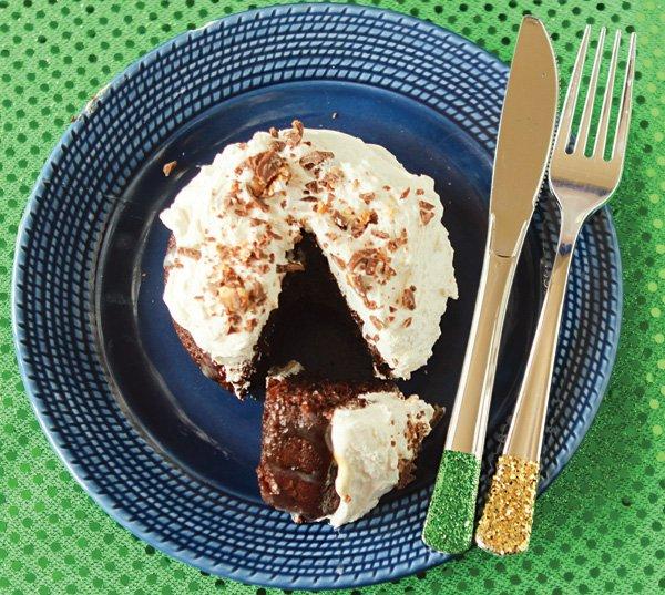 snickers chocolate cake recipe