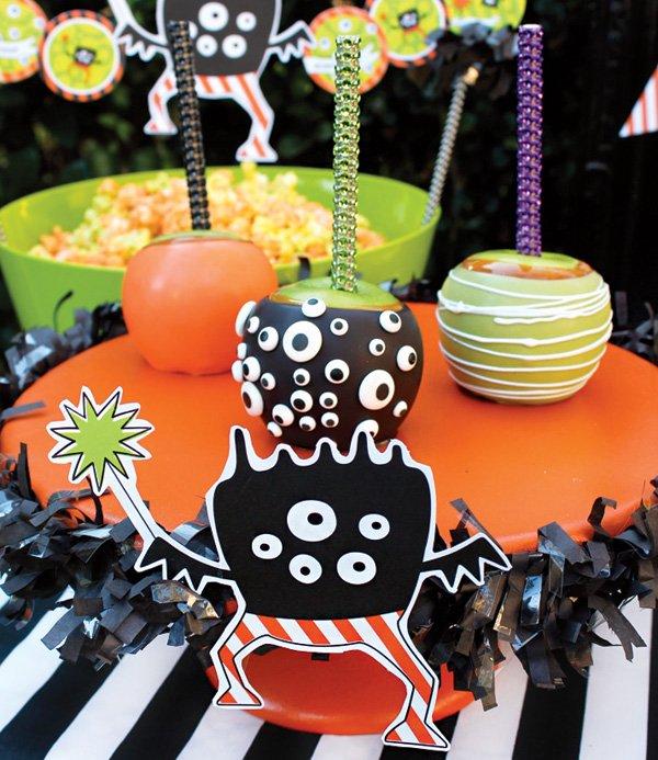 halloween decorated caramel apples