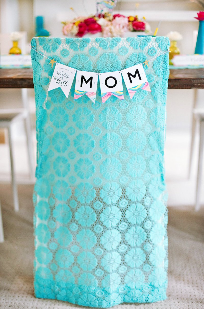Free Printable Mother's Day Banner and DIY Chair Cover