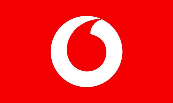Vodafone contro Iliad: offerta Special con 70GB (20+50GB) a meno di 10€ e con Happy Black incluso!