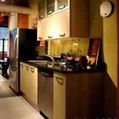 Built In Kitchen Table Sears Appliance Package Deals 小户型厨房设计 红星美凯龙装饰公司 成都装饰公司 成都室内装修 成都家装 发光灯在小厨房里工作不好 灯光必须与您的颜色和整个室内装饰相匹配 使您的小厨房看起来更大 在您的小厨房 安装小设备 例如 买一个小冰箱 如果你不需要一个大的