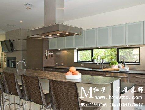 kitchen vinyl three piece sets 现代厨房设计 红星美凯龙装饰公司 成都装饰公司 成都室内装修 成都家装 楼层是反映现代厨房设计灵感的重要因素 有许多选择 你可以选择你喜欢的现代厨房设计 陶瓷 地板 乙烯基或大理石