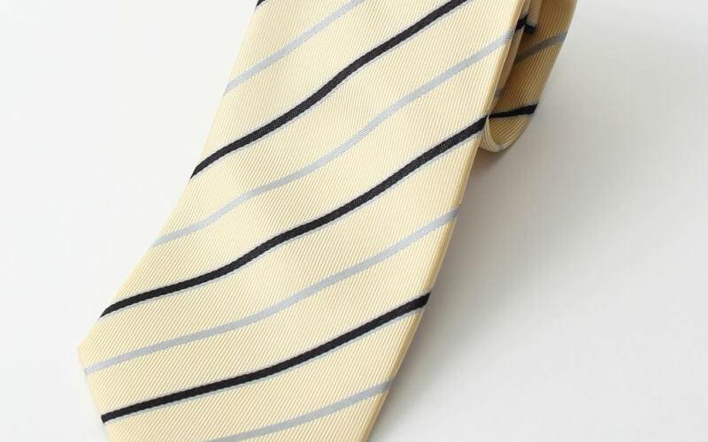 黄色 ネクタイ ストライプ 就活