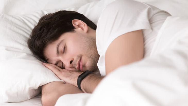 無印良品のオイル「おやすみ」の香りで睡眠不足解消! その爆売れな理由とは?