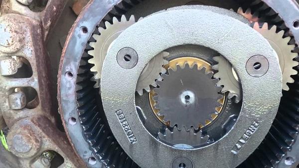 ремонт бортового редуктора