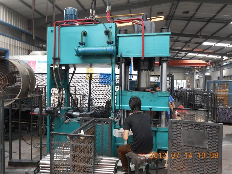 durable hydraulic metal press