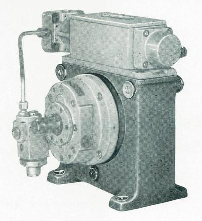 eine RKP nach TGL 10868 mit Stelleinheit, Antriebslager und Druckbegrenzungsventil