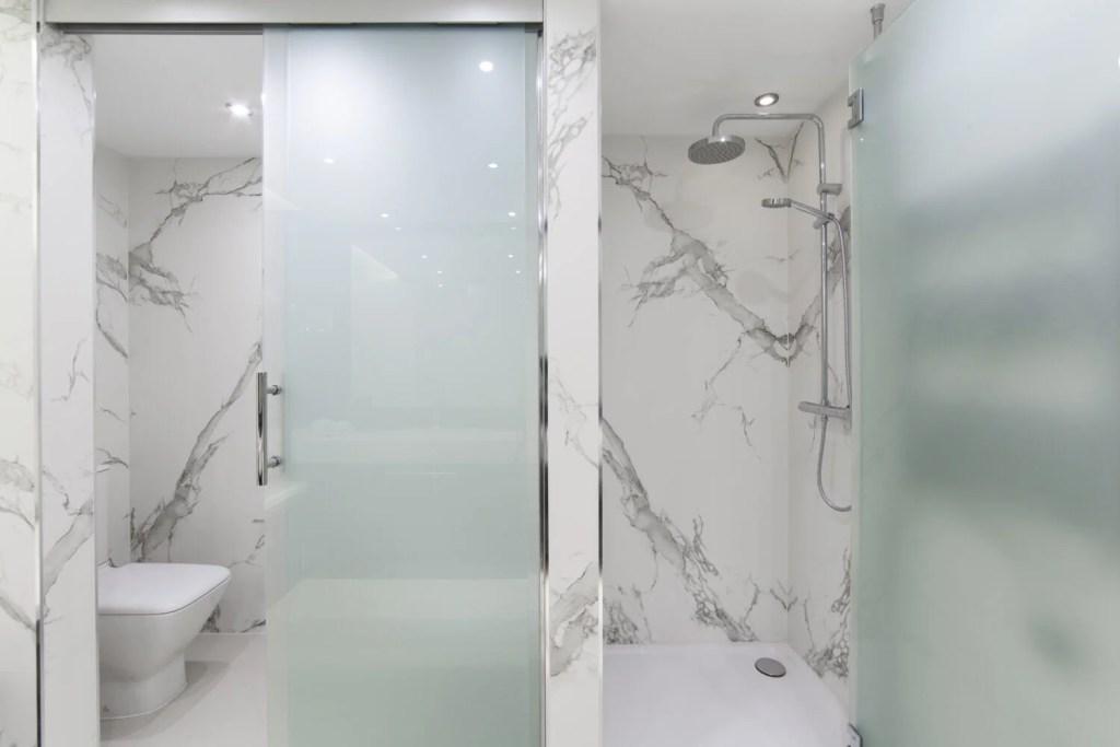 Grand Luxor Tierra Mítica Bathroom