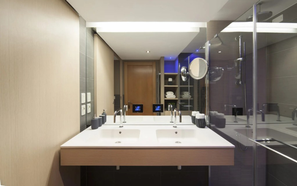 Radisson Blu Resort Bathroom