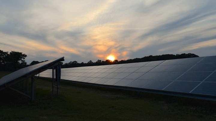 Florida utility commits to solar energy