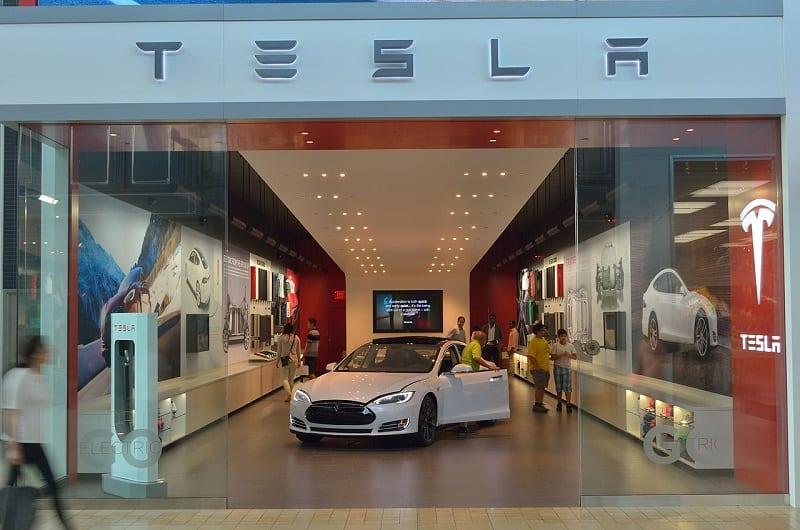 Tesla is sending its renewable energy solutions to aid Puerto Rico