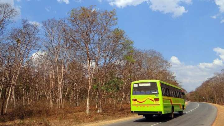 India's first bus equipped with a hydrogen fuel cell begins operation