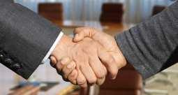 Battery Electric - Partnership between GM and Honda - Handshake