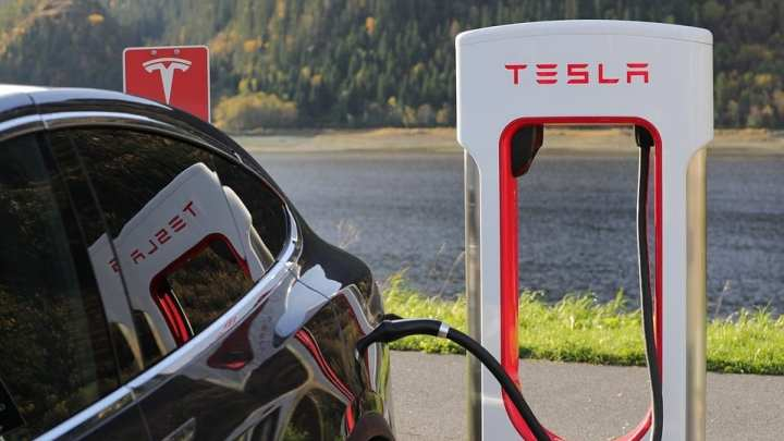The Automobile Association develops first mobile EV fast charger in Europe.