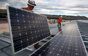 Solar panel recycling tech - solar panel installation