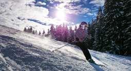 Wind energy contract - Skiing - Ski Resort - Girl Skiing
