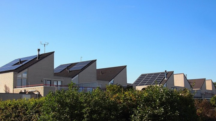 Solar energy battery storage systems help Californians without power keep the lights on