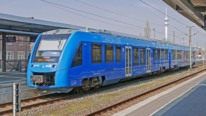 Coradia iLint hydrogen train to receive battery systems from Akasol