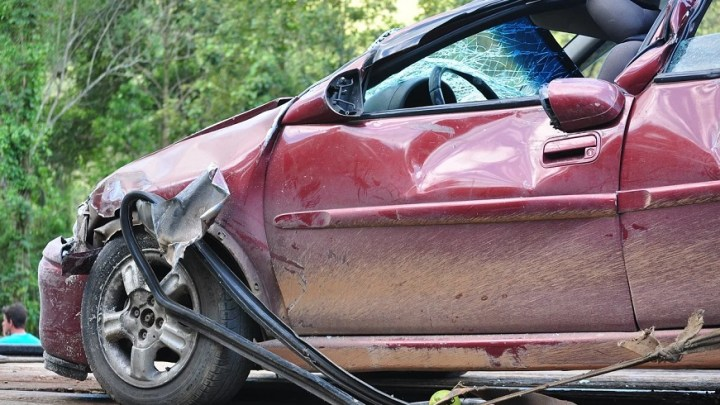 How safe are hydrogen fuel cell vehicles in a crash?